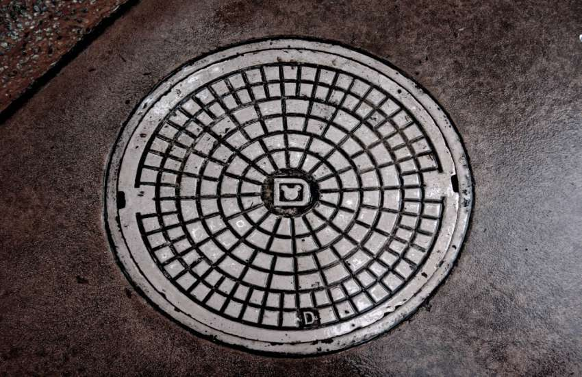 Californian Manhole Photo: George Pagan / UnSplash